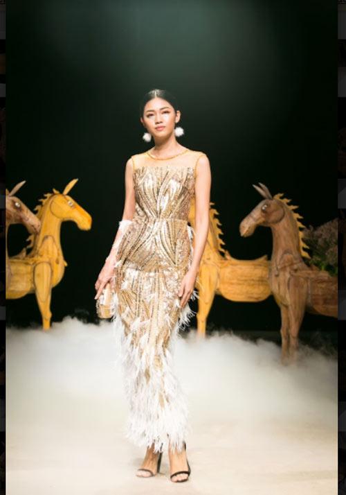 Á hậu cao nhất Việt Nam quá lộng lẫy tại tuần thời trang Việt - 2