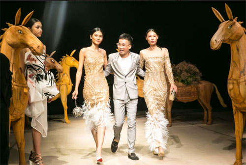 Á hậu cao nhất Việt Nam quá lộng lẫy tại tuần thời trang Việt - 9