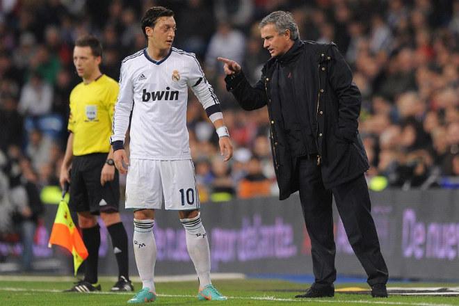 Ozil đòi rời Arsenal: MU - Mourinho sẽ mua đứt tháng 1/2018 - 2