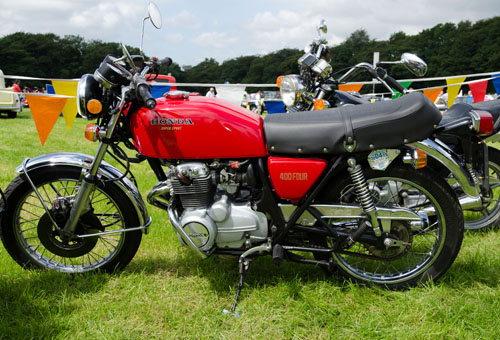 Điểm danh top 10 xe huyền thoại của những năm 1970 - 3