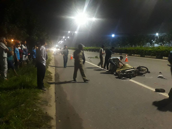 Hai công nhân chết tức tưởi trên đường về nhà trọ - 1