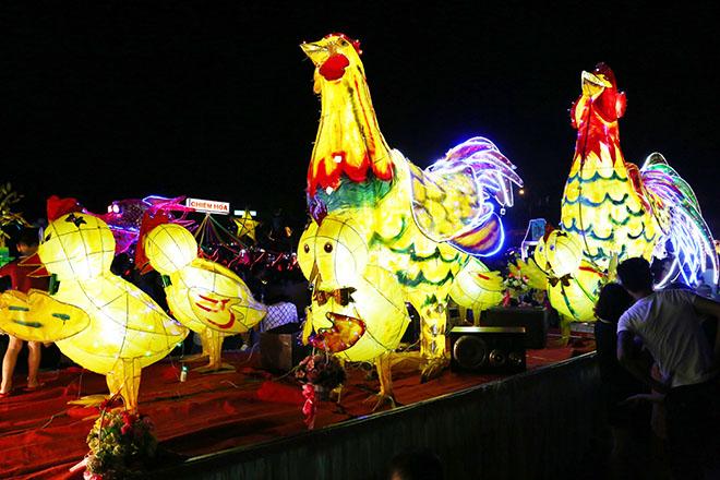 """Lên Tuyên Quang ngắm voi, rùa """"khủng"""" ra phố chơi Trung thu - 5"""