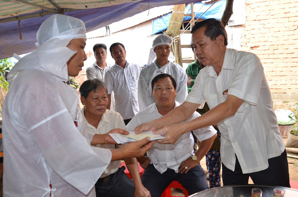 TNGT thảm khốc ở Tây Ninh: Đại tang ở xóm nghèo ven sông Hậu - 1