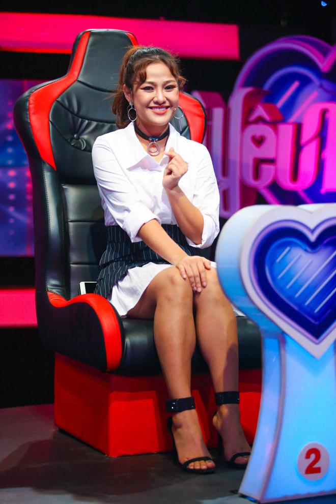 Dàn hot girl bất ngờ ngồi ghế nóng để tìm bạn trai trên truyền hình - 9