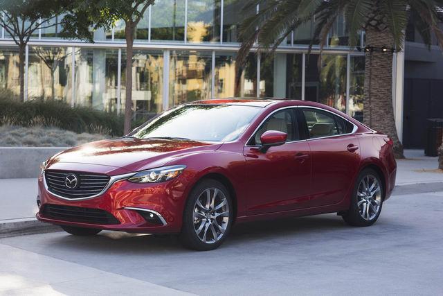 Mazda6 2017.5: Bản nâng cấp vội vã, giá từ 500 triệu đồng - 2