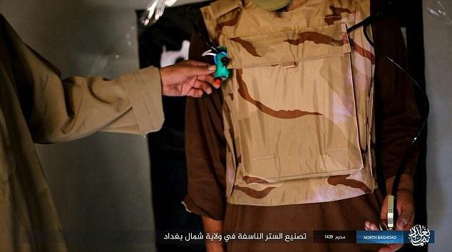 """Bí mật bên trong """"áo vest tử thần"""" của khủng bố IS - 1"""