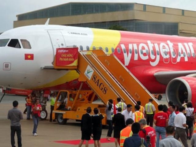 Hạ cánh khẩn cấp, Vietnam Airlines cứu mạng 2 hành khách - 2
