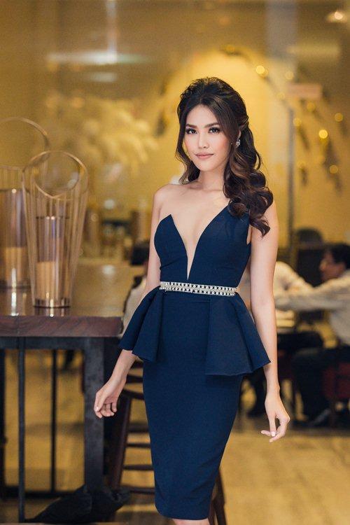 Váy nữ thần quá lộng lẫy của Phạm Hương đẹp nhất tuần qua - 6