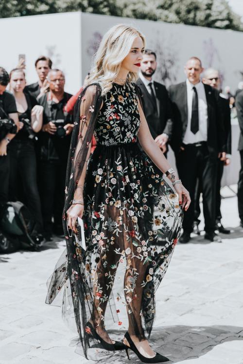 9 cách diện váy dài đẹp ngất ngây cho mùa thu - 4