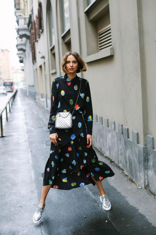 9 cách diện váy dài đẹp ngất ngây cho mùa thu - 2