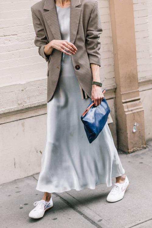 9 cách diện váy dài đẹp ngất ngây cho mùa thu - 8