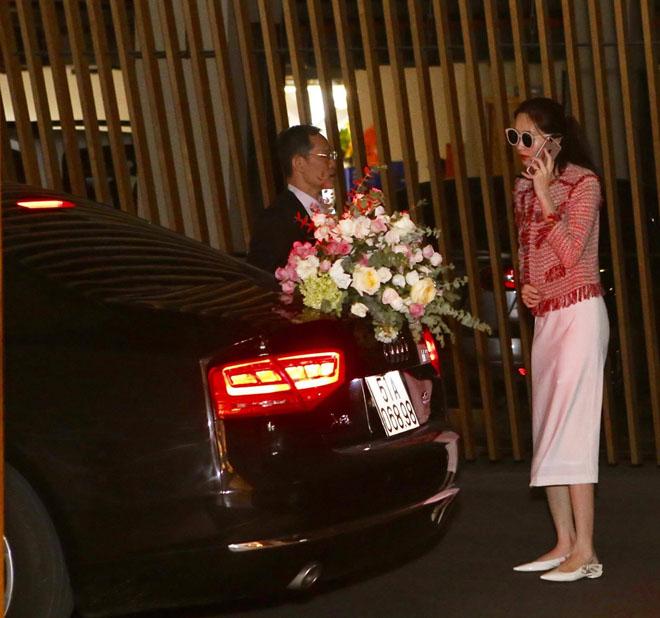 Tiệc cưới lộng lẫy, xa hoa của Hoa hậu Thu Thảo và chồng đại gia - 6