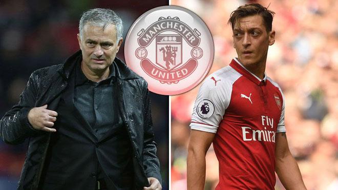 """Ozil mời gọi MU: Mourinho bối rối với """"cầu thủ độc nhất vô nhị"""" - 1"""