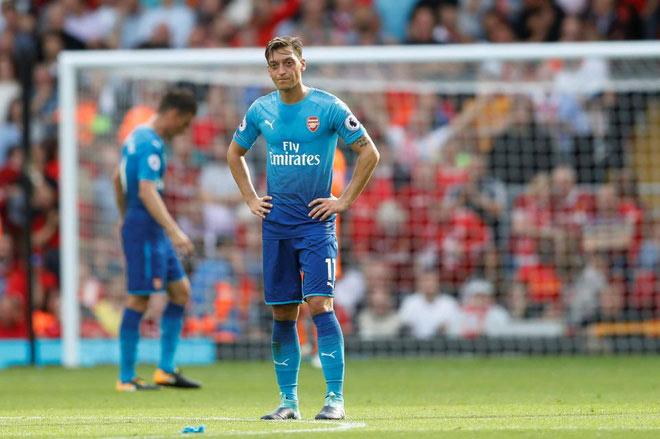 """Ozil mời gọi MU: Mourinho bối rối với """"cầu thủ độc nhất vô nhị"""" - 2"""