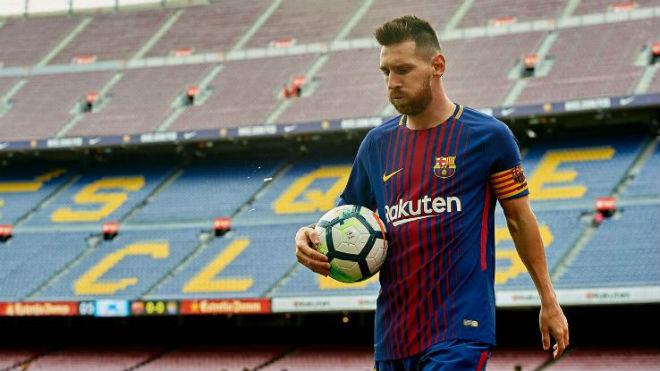 """Barca """"trói chân trọn đời"""": Messi phải đi sau đàn anh - 2"""