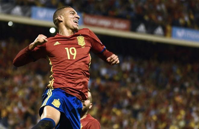 Tây Ban Nha - Albania: 3 cú đấm siêu tốc, giật vé vàng đi Nga - 1