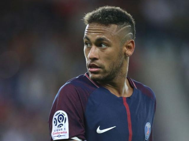 """Neymar """"trừ khử"""" xong Cavani, quay lại """"đâm lén"""" Barca"""