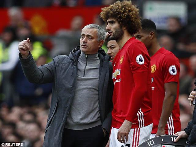 "MU dính ""virus FIFA"" với Fellaini, Mourinho vừa cáu vừa... mừng"