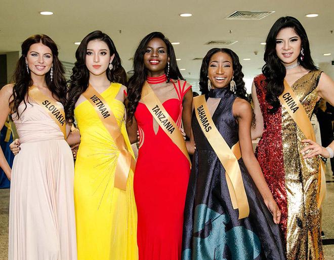 Bất ngờ trước nhan sắc như đàn ông của thí sinh Miss Grand International 2017 - 11