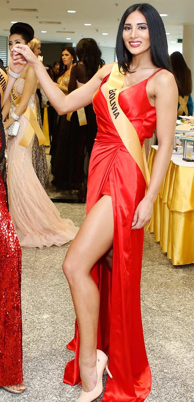 Bất ngờ trước nhan sắc như đàn ông của thí sinh Miss Grand International 2017 - 13