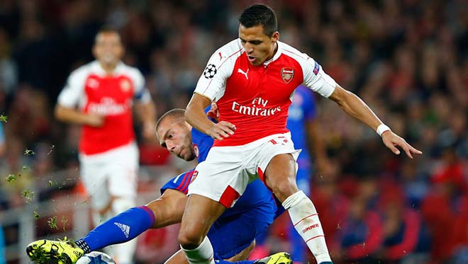 Arsenal gạ gẫm MU: Đổi Sanchez lấy Martial, triệu fan chia rẽ - 1