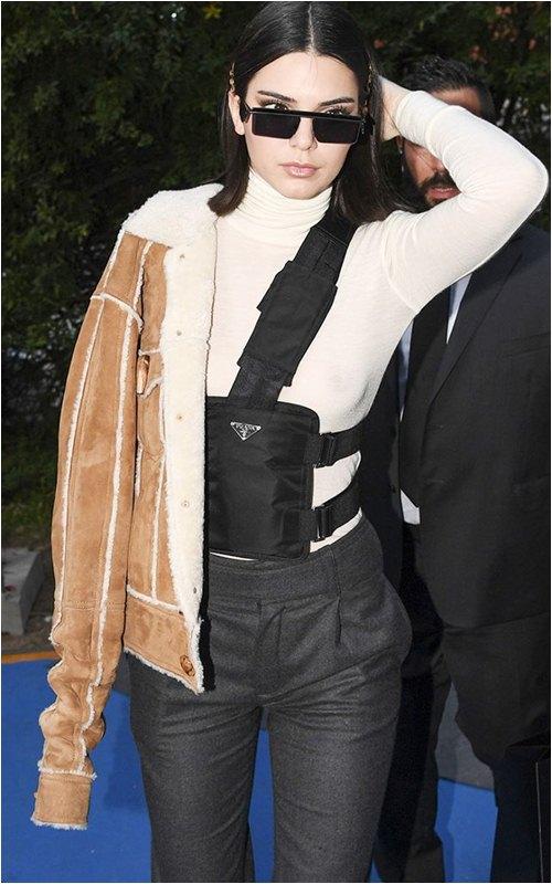 8 món đồ tủ mà nàng sành điệu nhất Hollywood mặc đi mặc lại mãi không chán - 1