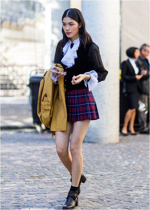 8 cách mặc chuẩn với chiếc váy yêu kiều nhất mùa thu - 7