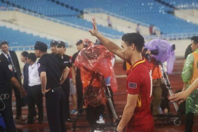 Công Phượng & Mạc Hồng Quân đua tài, thi nhau phá lưới Campuchia - 2
