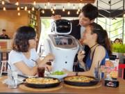 Cô nàng Robot HutGirl mang đến niềm vui cho thực khách