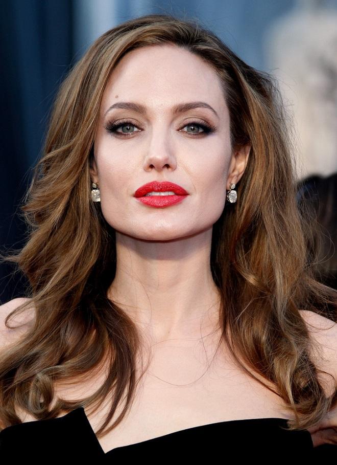 """Angelina Jolie tố từng bị """"ông trùm Hollywood"""" lạm dụng: Loạt sao lớn lên tiếng - 1"""