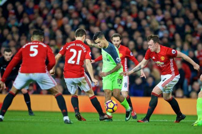 Song hùng Liverpool – MU: Mourinho dựng xe bus chống siêu bão tấn công (P2) - 2