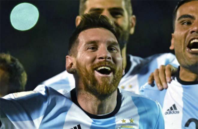 Messi nhắm vô địch World Cup, Ronaldo vượt mặt bằng 10 cúp - 1