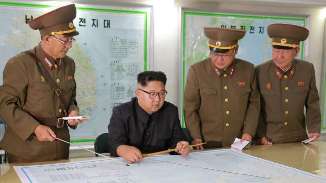 """Triều Tiên dọa dùng """"mưa lửa"""" để đáp trả ông Trump - 1"""