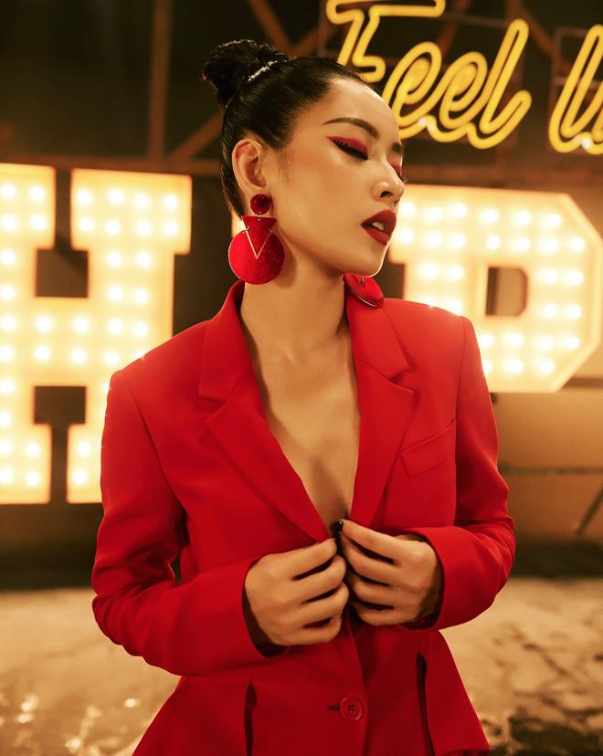 Nhà sản xuất ca khúc gây tranh cãi của Chi Pu nổi tiếng đến đâu? - 2