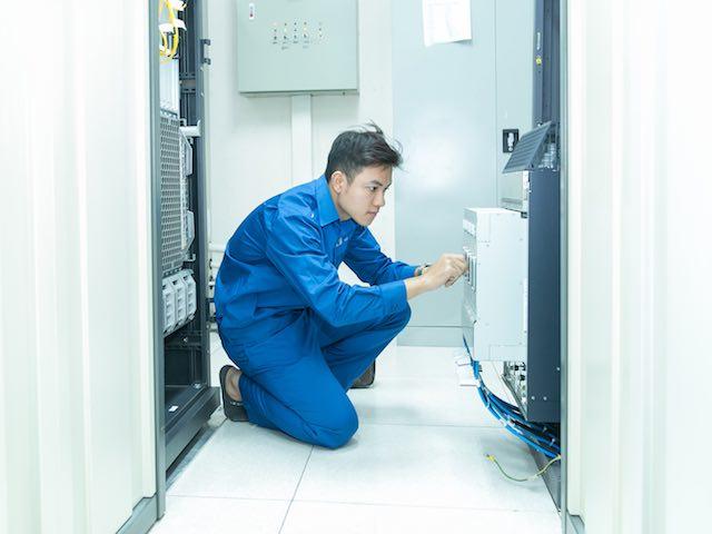 Bộ TT&TT phát công điện khẩn ứng phó bão số 12 trước thềm APEC 2017 - 2