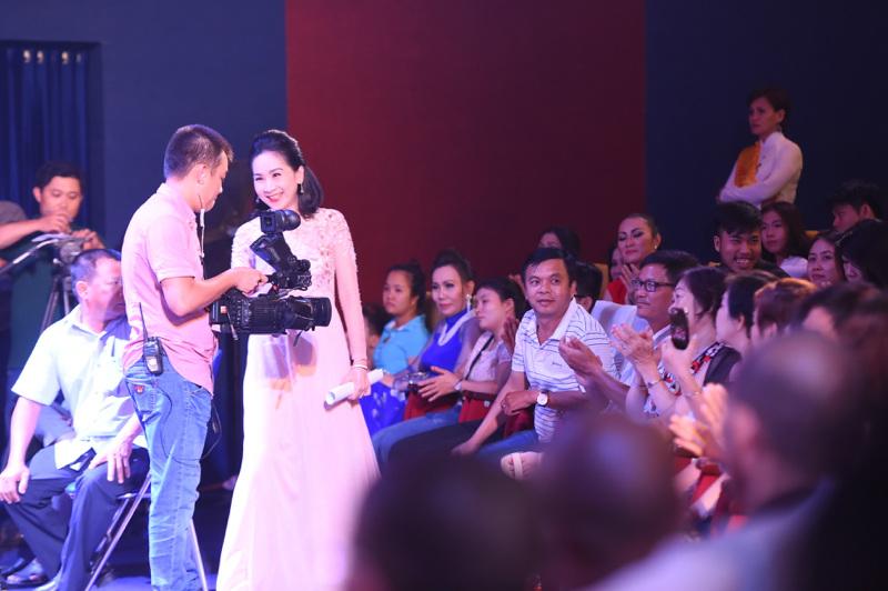 Phi Thanh Vân công khai bạn trai doanh nhân - 8