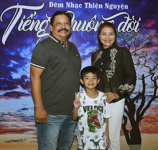 Phi Thanh Vân công khai bạn trai doanh nhân - 12
