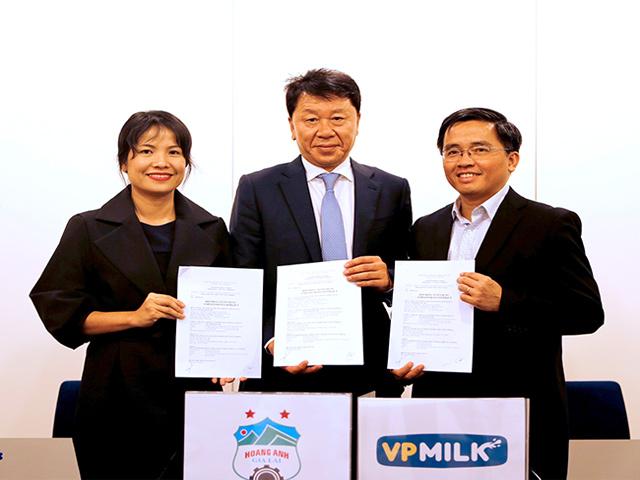 Thầy mới Công Phượng, HLV Park Hang Seo và bầu Đức tung chiêu - 3