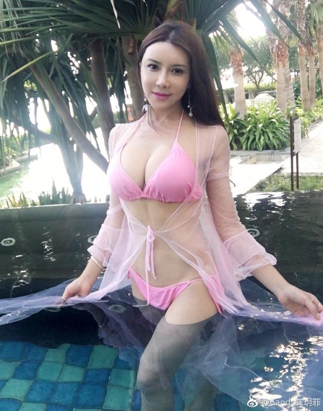 """Cung Nguyệt Phi được khán giả biết đến sau vai diễn Phan Kim Liên nóng bỏng nhất màn ảnh trong phim """"Tân Kim Bình Mai 3D""""."""