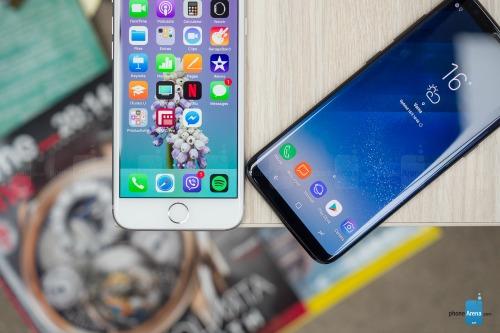 So sánh iPhone 8 với Galaxy S8: Cuộc đua không cân sức - 5
