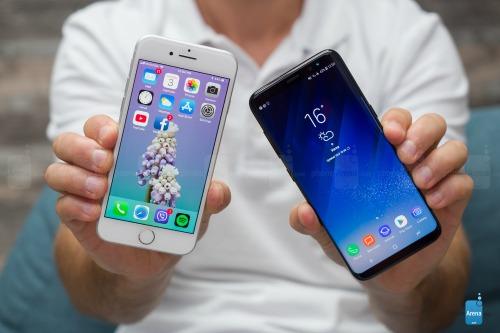 So sánh iPhone 8 với Galaxy S8: Cuộc đua không cân sức - 2