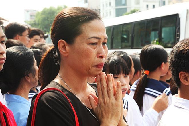 Clip hàng nghìn người bật khóc hát từ biệt PGS Văn Như Cương lần cuối - 7