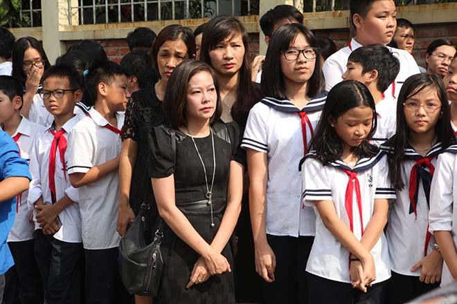 Clip hàng nghìn người bật khóc hát từ biệt PGS Văn Như Cương lần cuối - 8