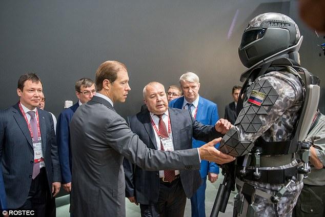 """""""Áo giáp siêu nhân"""" của lính Nga có thiết bị chống hạt nhân - 2"""