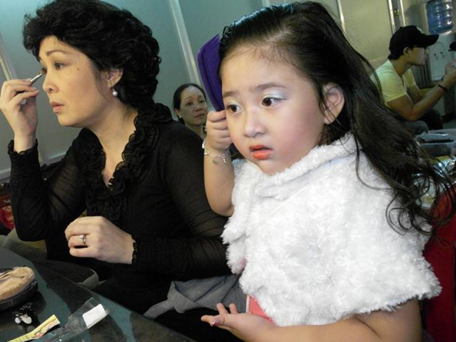 Cô con gái xinh đẹp, tài năng của Hồng Vân sẽ kết hôn cùng bạn trai 6 năm - 14