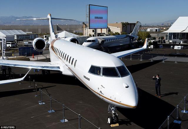 Choáng ngợp với nội thất sang trọng của máy bay tư nhân lớn nhất thế giới - 8
