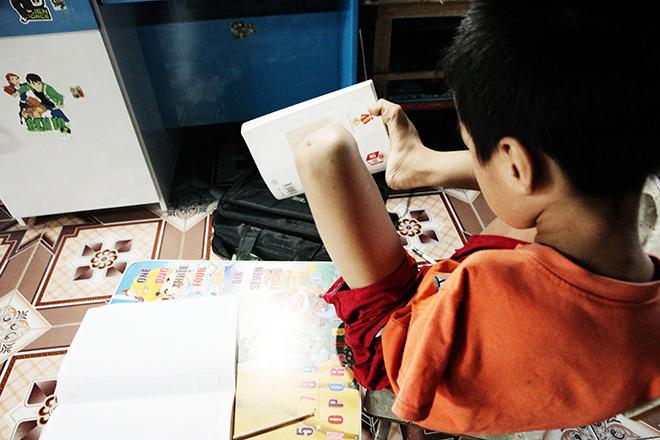 Ảnh - Clip: Đôi chân diệu kì của cậu bé 7 tuổi không tay - 4