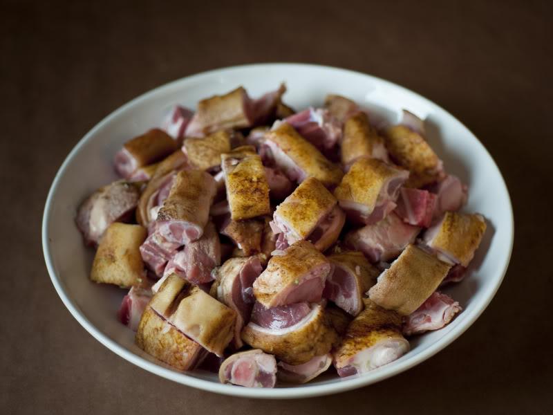Cách làm thịt chân giò nấu giả cầy ngon bất bại cho bữa tối ngày lạnh - 1