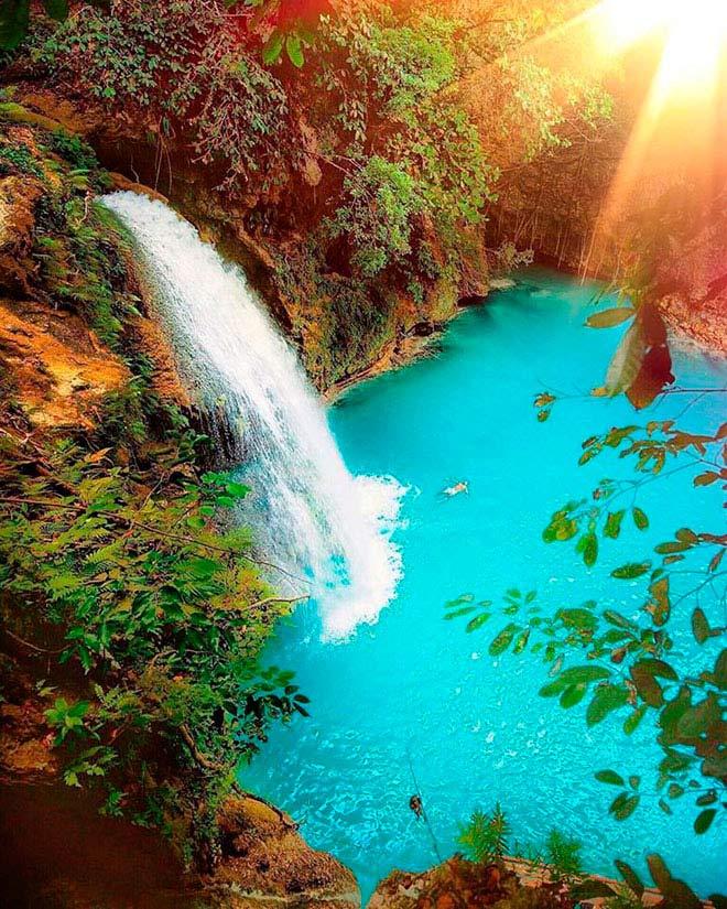 Dạo chơi thác nước đẹp như tiên cảnh ở Philippines - 2