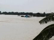 Tin tức trong ngày - Cận cảnh vỡ đê ở Chương Mỹ, nhiều khu vực chìm trong biển nước